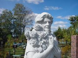 Скульптура из гранита Янцевского №10