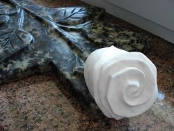 Роза из гранита №3