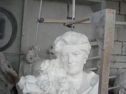 Скульптура из Янцевского гранита №3