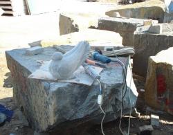 Скульптура из гранита Голубь №023