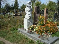Скульптура из гранита Янцевского №9