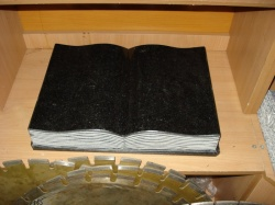 Книга 40х30х8